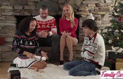 A Natale, Babbo Natale Scopa Bene E Poi Soffia Forte