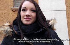 La Brava Donna Ungherese Appesa Per Strada Scopa Per Soldi