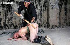 Puttana Picchiata E Brutalmente Scopata Da Un Uomo Sconosciuto