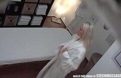 Bionda Scopata E Filmata Di Nascosto Al Massaggio