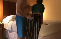 Un Uomo Grasso Si Scopa La Sua Amante In Un Hotel
