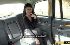 Bontà Fa Sesso Con Un Tassista Come Ricompensa